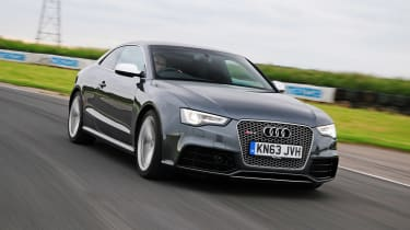 Audi RS5 - Front track shot