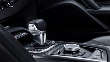 Audi R8 V10 RWS - interior