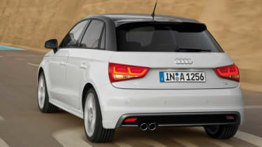 Audi A1 Sportback 1.6 TDI rear tracking
