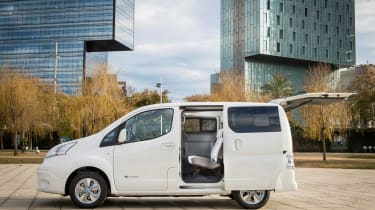 Nissan e-NV200 - side doors open
