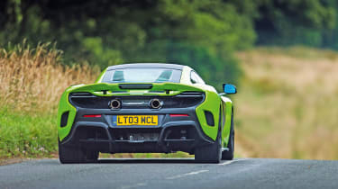 McLaren 675LT - rear driving