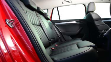 Skoda Superb Estate 280 4x4 2016 - rear seats