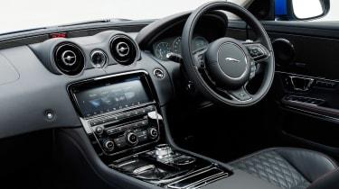 Jaguar XJR 575 - cabin