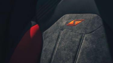 Bentley Bentayga S - seat detail