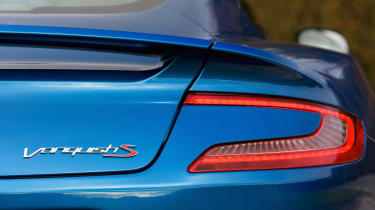 Aston Martin Vanquish S - rear light
