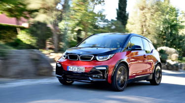 BMW i3s - front panning