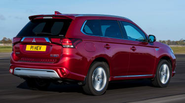 Mitsubishi Outlander PHEV - rear tracking