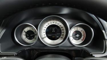 Mercedes E250 CDi dials