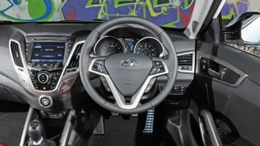 Hyundai Veloster dash