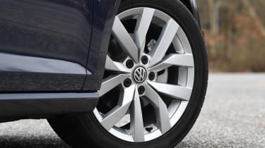 vw golf alloy wheel