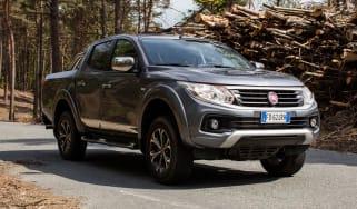 Fiat Fullback pick-up - scene front quarter