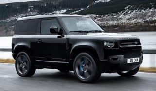 Land Rover Defender 90 V8 - front