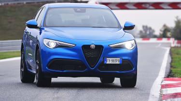 Alfa Romeo Stelvio - front 3/4 static