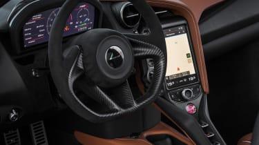 McLaren 720S - steering wheel