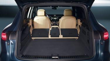 Porsche Cayenne - boot seats down