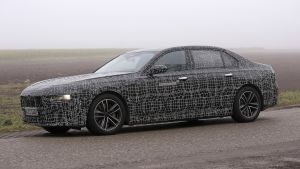 BMW 7 Series - spyshot 3