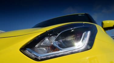 Suzuki Swift Sport - headlight