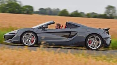 McLaren 600LT Spider - side tracking