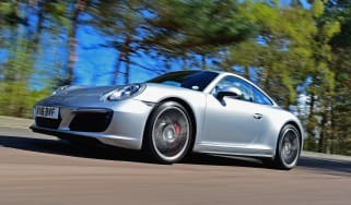 Porsche 911 Carrera 4S 2016 - front tracking