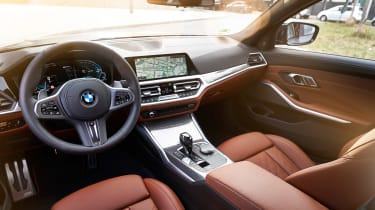 BMW 330e - cabin