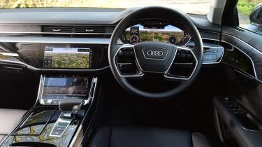 Audi A8 55 TFSI - dash