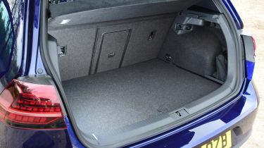Volkswagen Golf GTE - boot