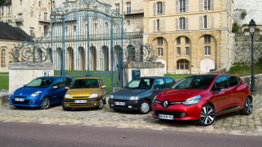 Renault Clio old vs new - group