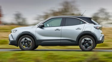 Vauxhall Mokka - side action