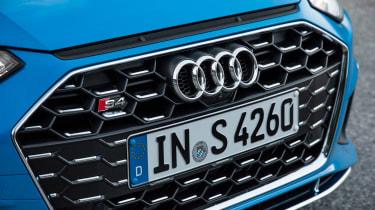 2019 Audi S4 saloon grille detail