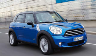 MINI Countryman ALL4 front action