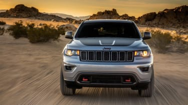 Jeep Grand Cherokee Trailhawk - front