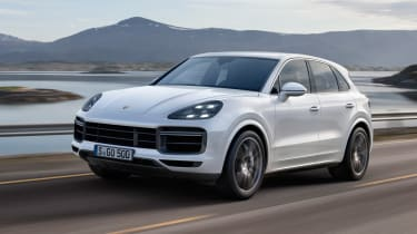 Porsche Cayenne Turbo - front action