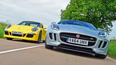 Jaguar F-Type R AWD vs Porsche 911 Carrera 4 GTS