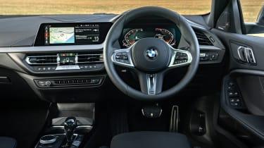 BMW 118i - interior