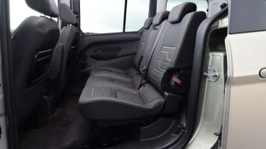 Ford Tourneo Connect 2016 - rear seats