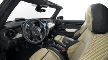 MINI Convertible facelift - cabin