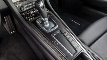 Porsche 911 Turbo S 2016 - centre console