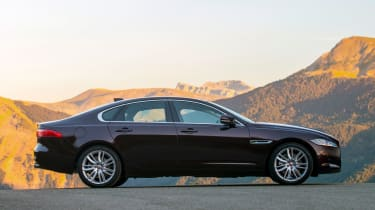 Jaguar XF Portfolio - side