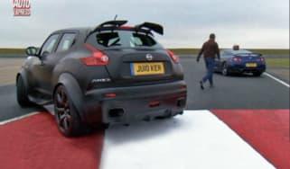 Nissan Juke-R vs GT-R