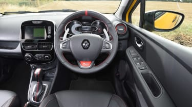 Renault Clio RS 220 Trophy - dash