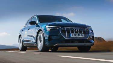 Audi e-tron - front action