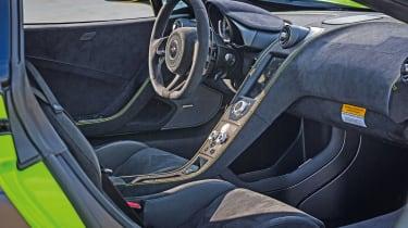 McLaren 675LT - interior