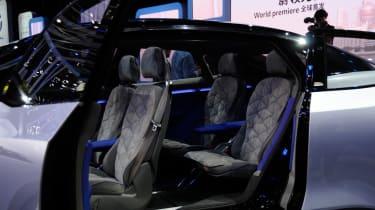 Volkswagen I.D. Crozz concept - seats