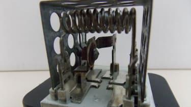 Vauxhall Zafira screw and nut