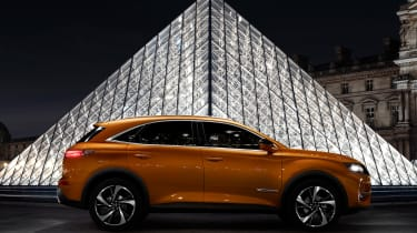 DS 7 Crossback - side 3