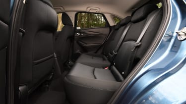 CX-3 - rear seats