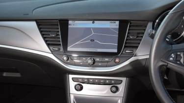 Vauxhall Astra Sports Tourer - infotainment