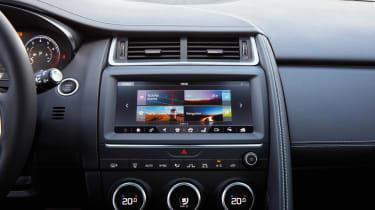 Jaguar E-Pace - centre console