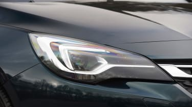 Vauxhall Astra - front light detail
