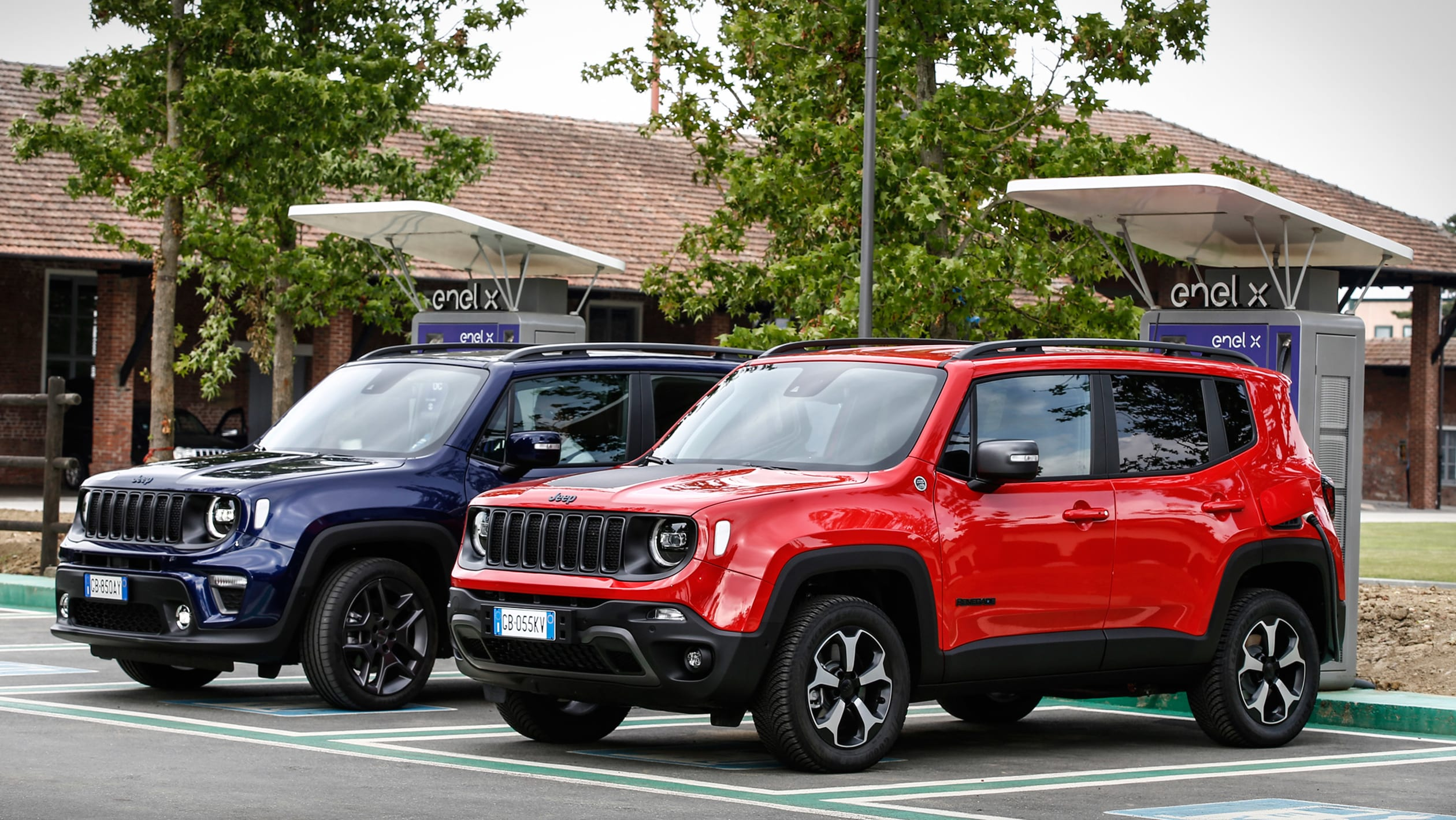 2014 - [Jeep] Renegade - Page 15 Jeep%20Renegade%204xe%20and%20Jeep%20Compass%204xe%202020-5